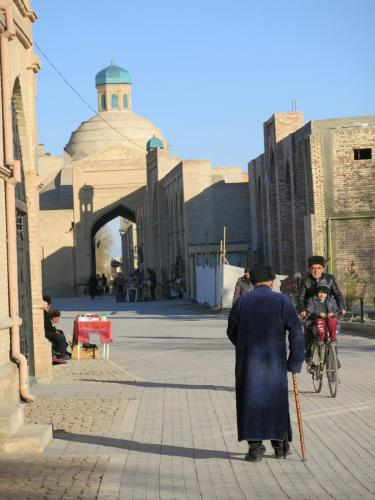 Local-Life-in-Bukhara